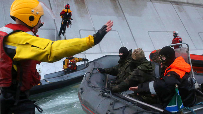 Journalists, HR activists call to lift Greenpeace photographer's piracy charges