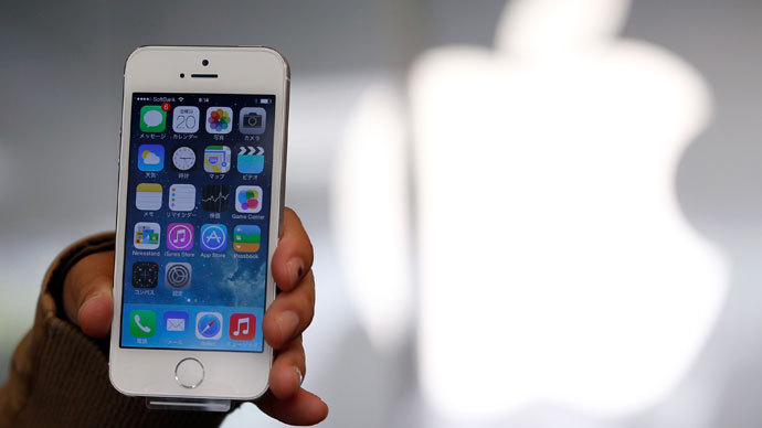 Hackers vie for bounty in cracking fingerprint 'Touch ID' on new iPhone 5S