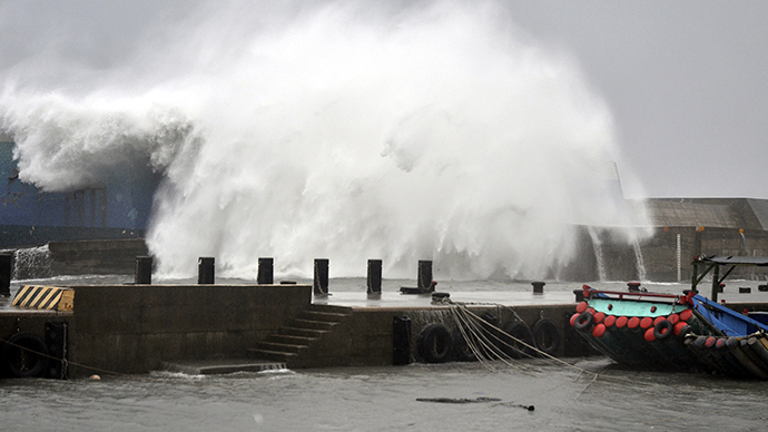 A big wave smashes into a breakwater as Typhoon Usagi approaches the eastern coastal town of Taitung September 21, 2013. (Reuters)