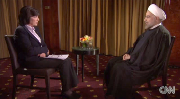 Christiane Amanpour (L) and Iranian president Hassan Rouhani (Still from YouTube video/CNNInternational)