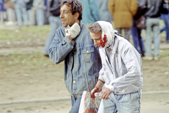 Individuals, wounded during the 1993 Constitutional crisis. (RIA Novosti/Vladimir Vyatkin)