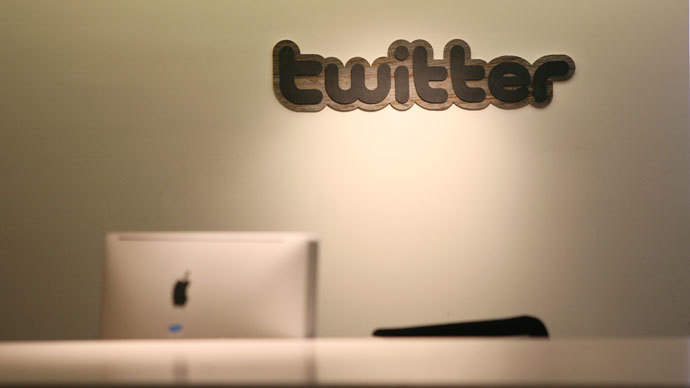 Twitter sheds secrecy in $1bn IPO