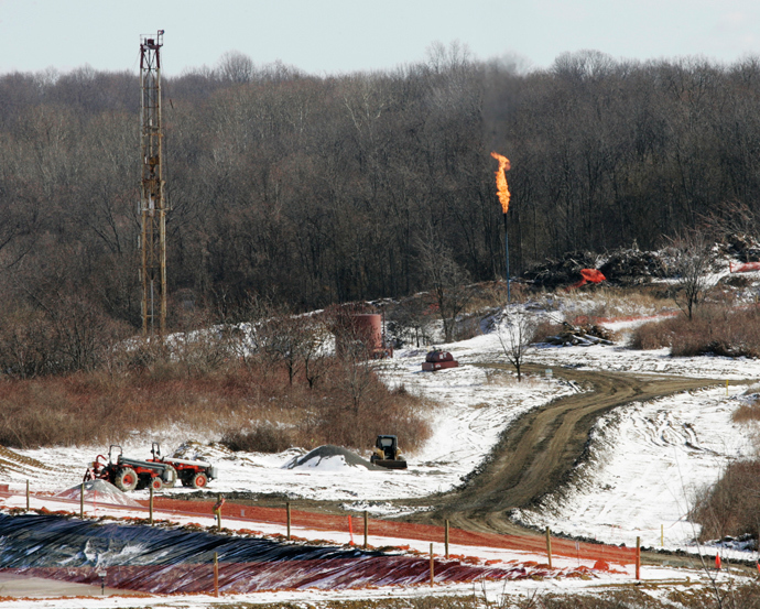 A gas drilling site on the Marcellus Shale is seen in Hickory, Pennsylvania (Energy-Marcellus / Reuters / Jason Cohn)