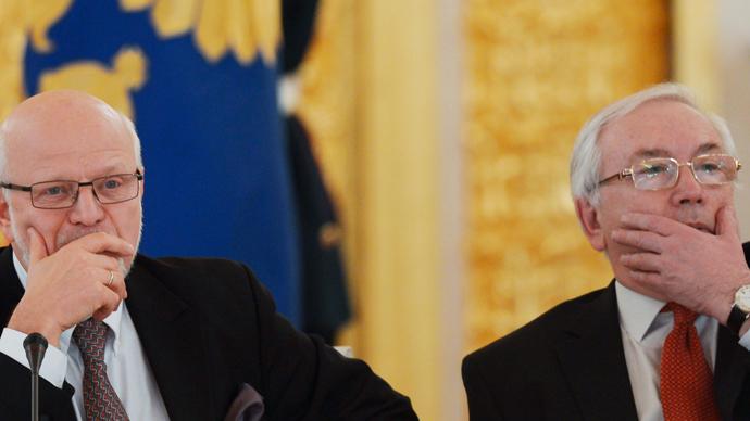 Mikhail Fedotov (L) and Vladimir Lukin (RIA Novosti / Sergey Guneev)