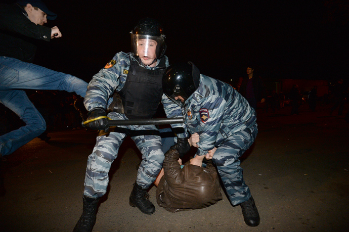 Police officers detain participants of the mass riots during people's gathering in Moscow's Biryulyovo Zapadnoye District, where local residents gathered demanding to find the murderers of Yegor Shcherbakov (RIA Novosti / Ramil Sitdikov)