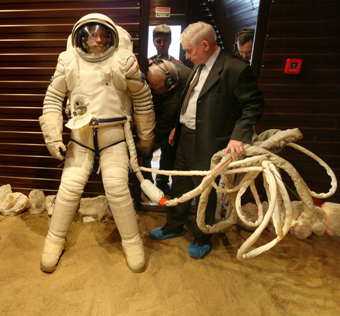"Handout file photograph released by SSC RF – IBMP RAS (IBMP) on June 4, 2010 shows scientists testing the ""Orlan"" space suit inside the Mars500 isolation facility in Moscow on March 23, 2009. (AFP/IBMP)"