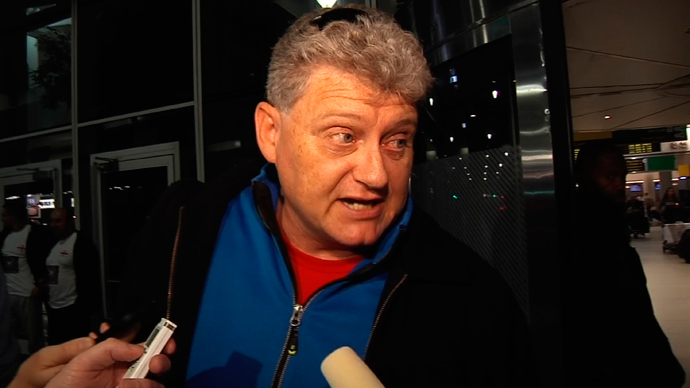 Lon Snowden, father of Edward Snowden, shown in this still image from Reuters TV footage, speaks to reporters at John F. Kennedy International Airport in New York, October 16, 2013, shortly after returning to the United States from a weeklong visit with his son in Moscow (Reuters / Reuters TV)