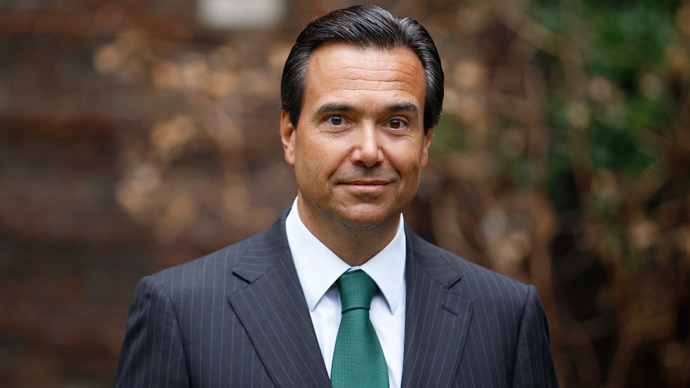 Lloyds CEO gets £2.5m 'golden handcuffs'
