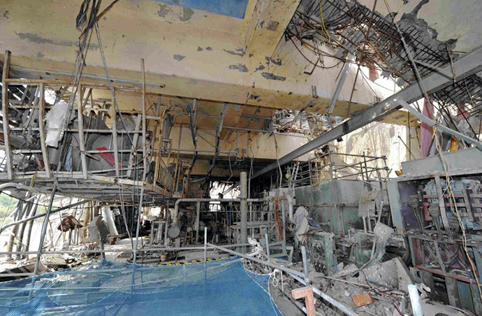 The inside of the No. 4 reactor building is seen at Tokyo Electric Power Co.'s (Tepco) Fukushima Dai-Ichi nuclear power plant in Okuma Town, Fukushima Prefecture on May 26, 2012. (AFP Photo / Toshiaki Shimizu)