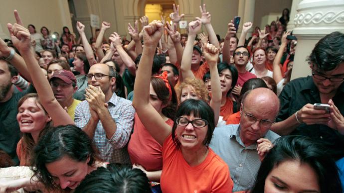 Judges reinstate Texas abortion restrictions