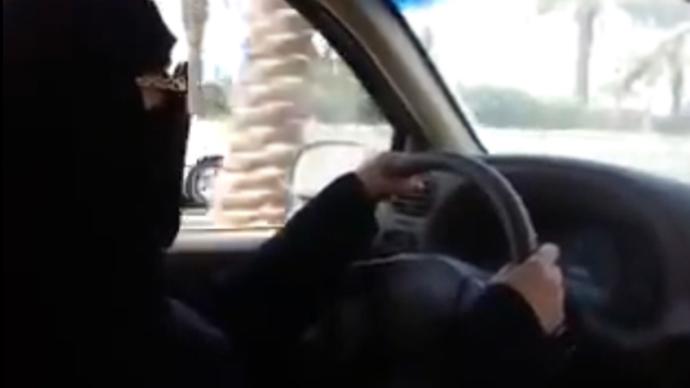Kuwaiti woman arrested in Saudi Arabia for driving sick father to hospital