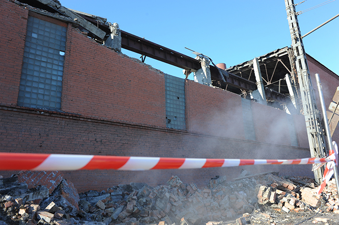Damage caused to the Chelyabinsk Zinc Plant by the meteorite fall. (Boris Kaulin / RIA Novosti)