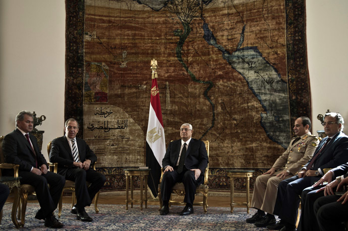 Egypt's interim president Adly Mansour (C) defense minister Abdlefatah al-Sissi (2ndR) meet with Russian Foreign Minister Sergey Lavrov (2-L), and Russian Defense Minister Sergei Shoigu (L) on November 14, 2013 at the presidential palace in Cairo. (AFP Photo/Khaled Desouki)