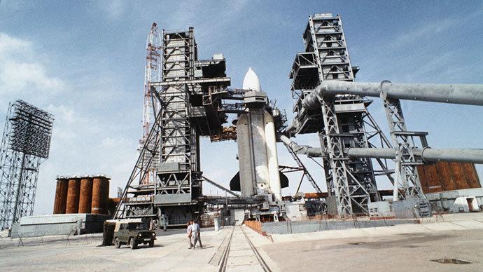 The Energiya carrier rocket at the launch site, the Baikonur Space Center in Kazakhstan.(RIA Novosti / Skryinikov)