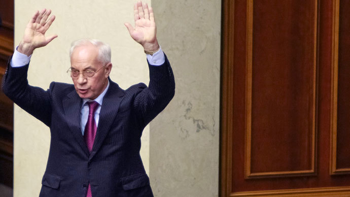 Ukranian Prime Minister Mykola Azarov gestures during a session of the Parliament in Kiev December 3, 2013.(Reuters / Gleb Garanich)