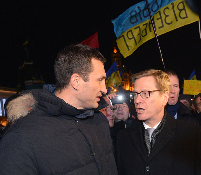 From left: Leader of the Ukrainian Democratic Alliance for Reform (UDAR) party's faction in the Verkhovna Rada, Vitaly Klitschko, and German Foreign Minister Guido Westerwelle among supporters of pro-EU integration on Maidan Nezalezhnosti in Kiev on December 4, 2013. (RIA Novosti / Alexey Kudenko)