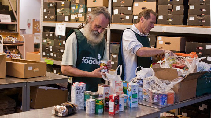 UK food poverty a 'public health emergency', say leading experts