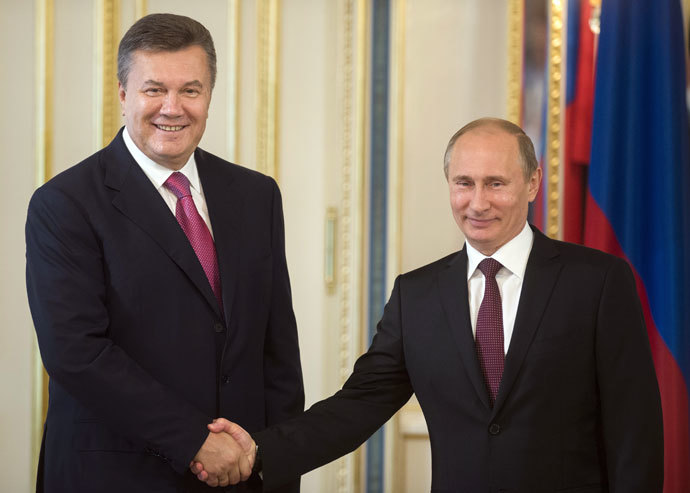 Russian President Vladimir Putin, left, and Ukrainian President Viktor Yanukovych during a meeting in Kiev.(RIA Novosti / Sergey Guneev)