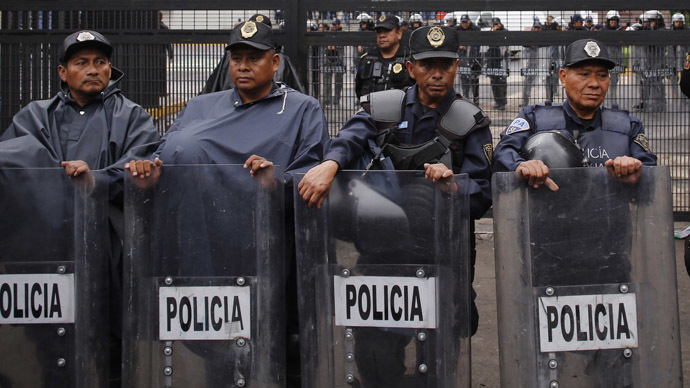 Mexico police block hospital as radioactive load hijackers are admitted
