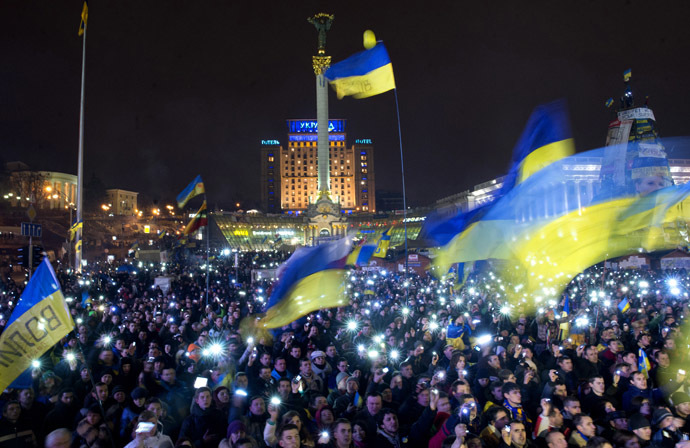 Participants in a rally in support of Ukraine's integration with the EU, on Kiev's Independence Square. (RIA Novosti/Iliya Pitalev)