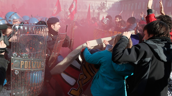 'Pitchfork' protesters clash with police as Italy hit by week of anti-austerity rallies