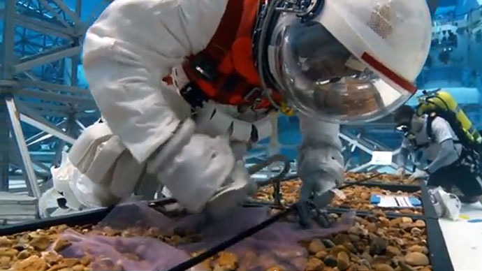 NASA tests space suits for manned asteroid missions (VIDEO)