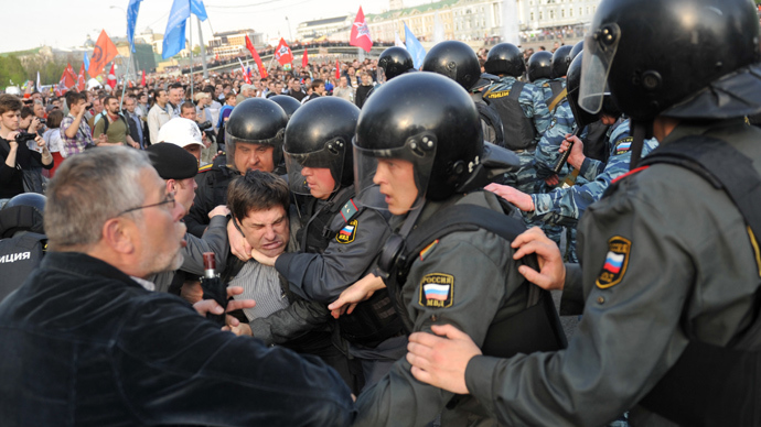 Police detain participants of the March of Millions protest rally on Moscow's Bolotnaya Square (RIA Novosti / Aleksandr Utkin)