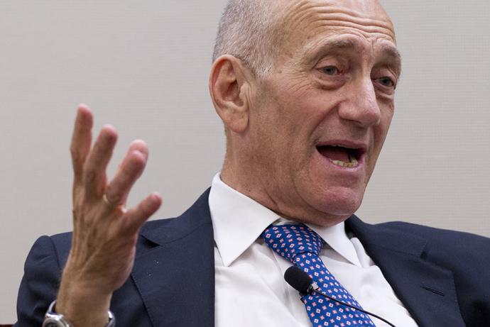 Former Israeli Prime Minister Ehud Olmert (AFP Photo / Saul Loeb)
