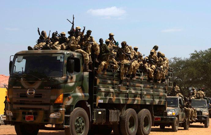 SPLA soldiers drive in a truck in Juba December 21, 2013.(Reuters / Stringer)
