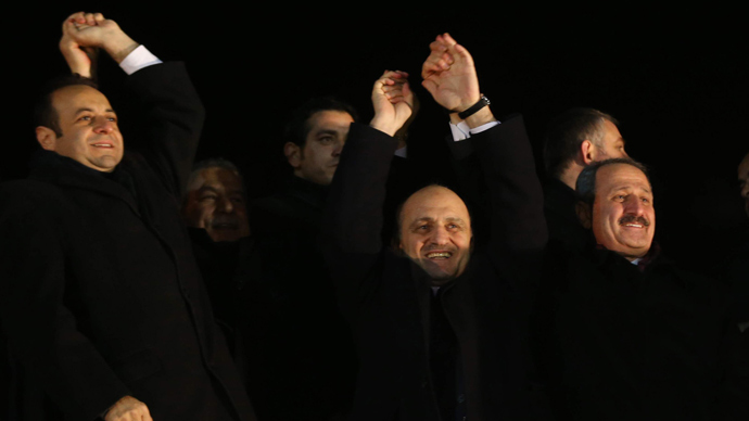 Turkish PM replaces 10 ministers in spiraling graft scandal