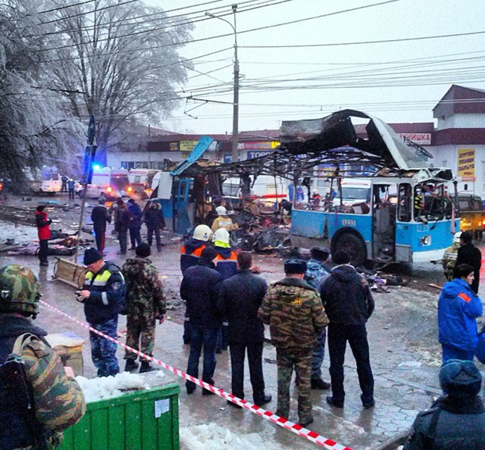An explosion on a trolleybus near Kachinsky Market in Volgograd. (RIA Novosti / Alexey Ulianov)