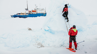 Passengers of ice-bound Russian ship in Antarctic rescued