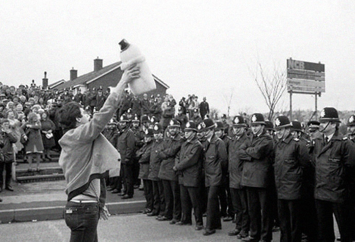 A Miners' strike in South Yorkshire in 1984/85 (Photo from wikipedia.org)