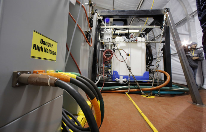 The Field Deployable Hydrolysis System used to destroy and neutralize chemical weapons sits aboard the MV Cape Ray before its deployment from the NASSC0-Earl Shipyard in Portsmouth, Virginia, January 2, 2014. (Reuters/Larry Downing)