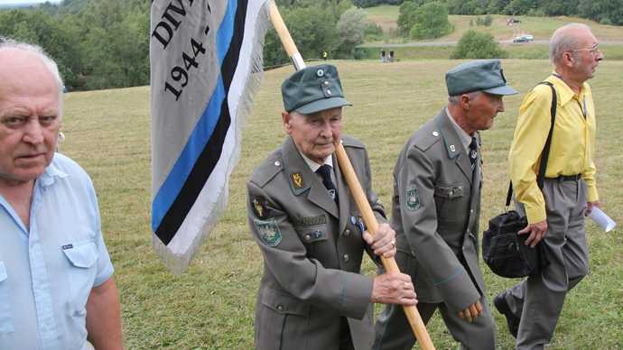 Veterans of 20th Waffen Grenadier Division of the SS (1st Estonian) meet on the Sinimaed hills (RIA Novosti)