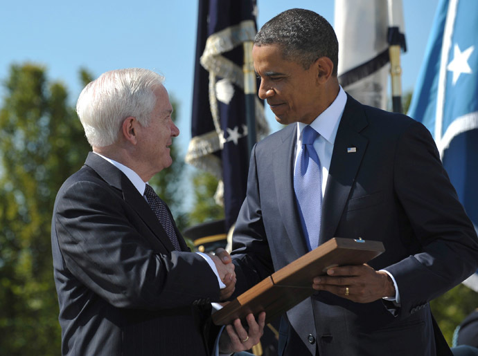 US President Barack Obama and Robert M. Gates (AFP Photo/Mandel Ngan)