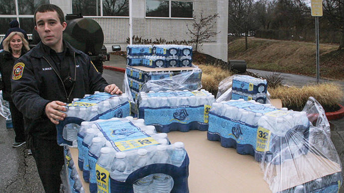Hundreds reported sick amid indefinite water ban after W. Virginia chemical spill