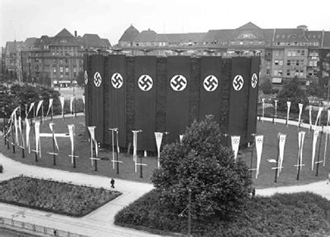 Berlin's then-Adolf-Hitler-Platz decorated for the Olympic Games, 25 July 1936. (Image: warwick.ac.uk)