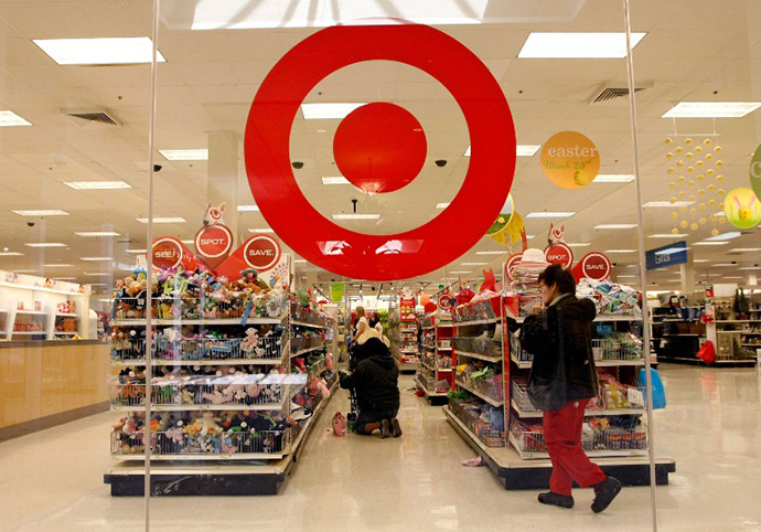 Customers shop at a Target store (AFP Photo / Getty Images / Justin Sullivan)