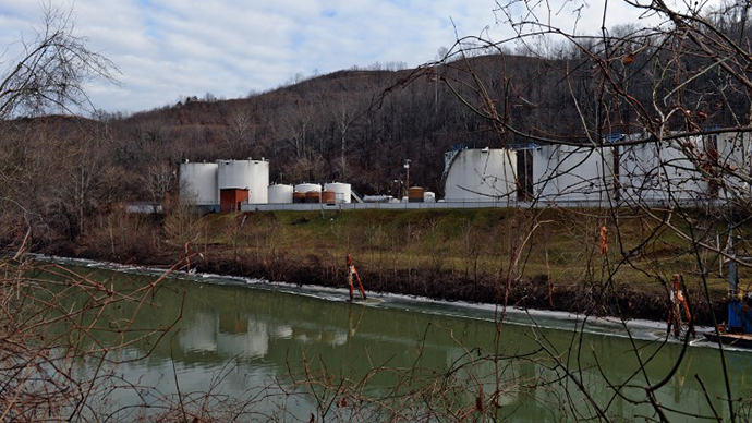 US House passed bill ravaging toxic-waste law - on same day as W. Virginia chemical spill