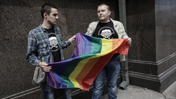 27 Nobel laureates urge Putin to repeal gay propaganda law