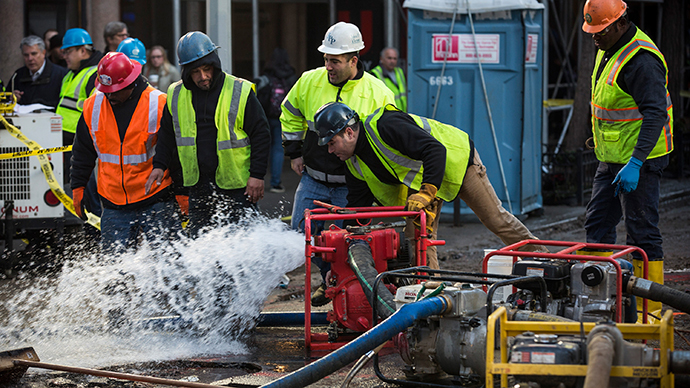 NYC commuters face chaos as burst water main disrupts subway, closes streets (PHOTOS)