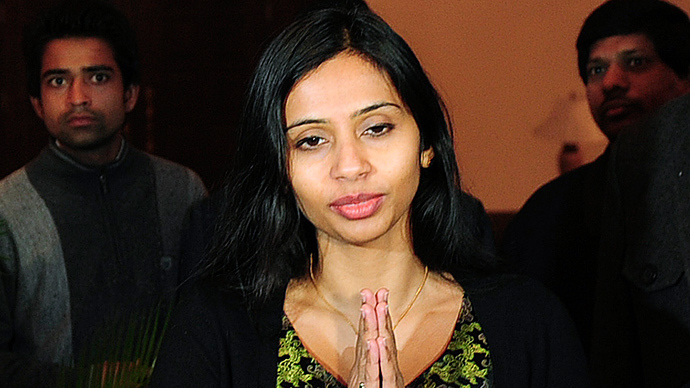 "Indian diplomat Devyani Khobragade gives the ""namaste"" gesture of greeting upon her arrival at Maharashtra Sadan state guesthouse in New Delhi January 10, 2014. (Reuters / Stringer)"