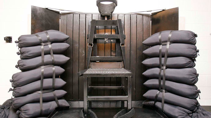 Panicked lawmakers mull firing squad executions as drug shortage worsens