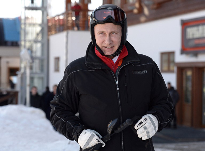 Russia's President Vladimir Putin visits the mountain Laura Cross Country and Biathlon Centre near the Black Sea resort of Sochi, on January 3, 2014. (AFP Photo / RIA Novosti / Alexei Nikolsky)