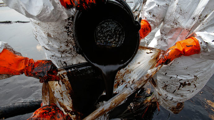 US railroad oil spills in 2013 surpassed previous four decades combined