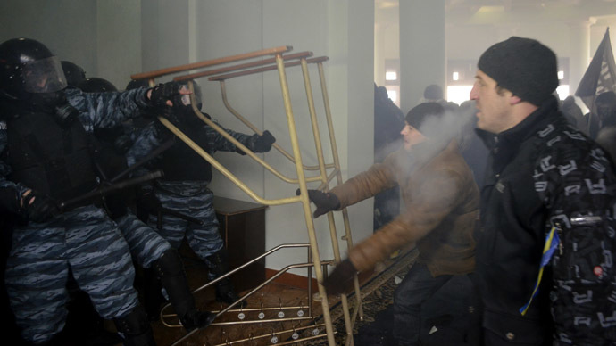 US, European diplomats meet with radicals in Kiev, see 'no threat' from them