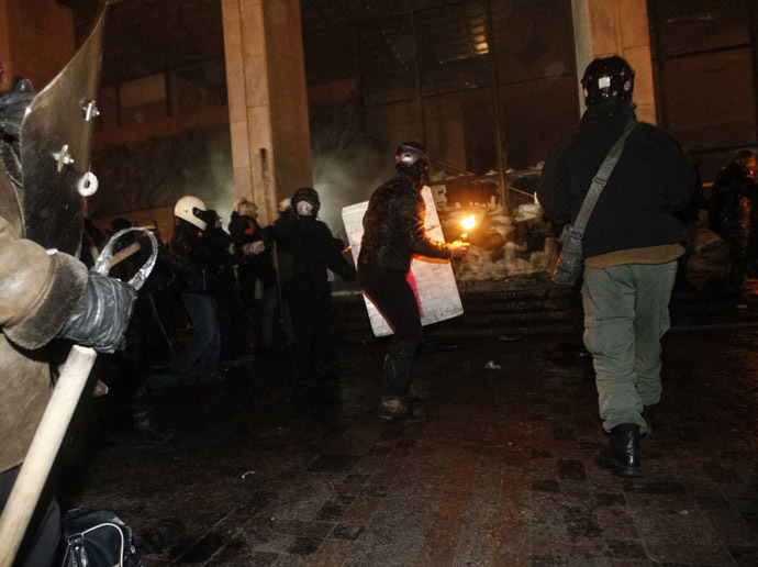 Riots near the House of Ukraine, Kiev, January 26, 2014. (Reuters/David Mdzinarishvili)