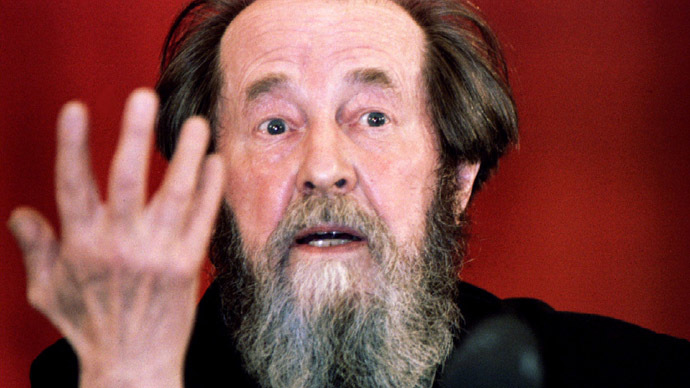 Veterans oppose Solzhenitsyn monument, accuse writer of aiding USSR breakup