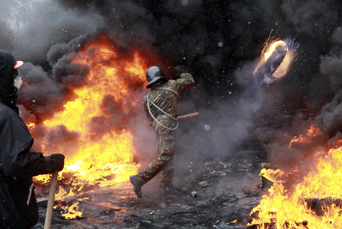 Rioters in Kiev January 22, 2014 (Reuters/Gleb Garanich)